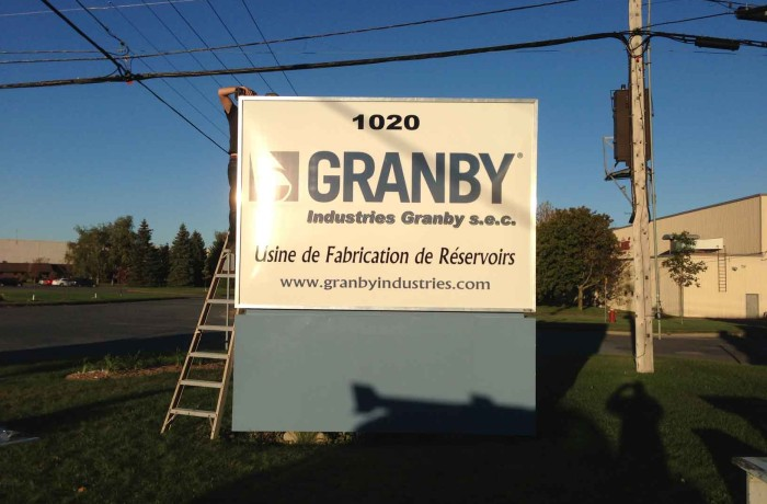 Industries granby lettrage richard for Chambre commerce granby