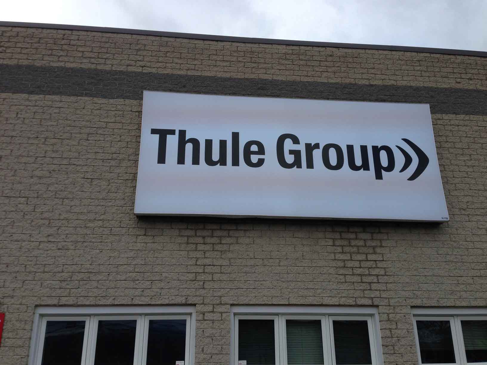 Thule group granby lettrage richard for Chambre commerce granby